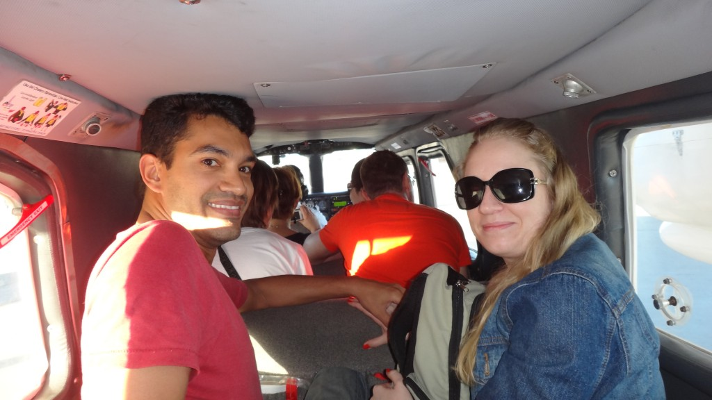 Look! We can chat with the pilot during the flight to Los Roques!